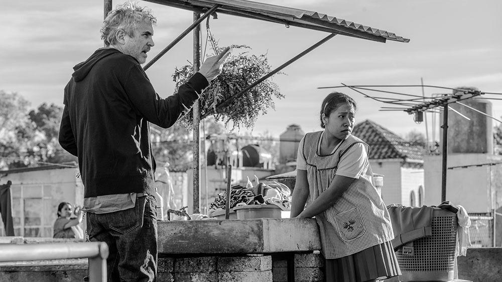 film hitam putih Roma karya Netflix