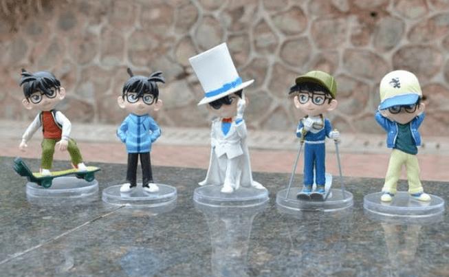 mainan Kaito dan Conan