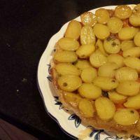 Tatin van Ottolenghi: aardappels, tomaat en geitenkaas