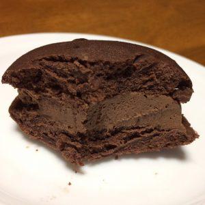 こいくち チョコクリーム断面