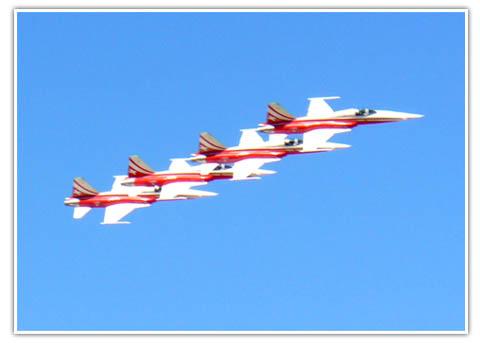 Swiss Jets 3m apart
