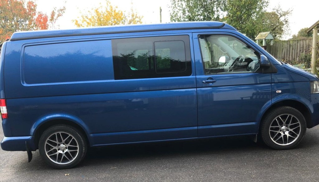 T5.1 LWB Highline 140 Kombi with Reimo Roof