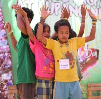 Mangyan youth during a performance. (Photo Mark Ambay III)