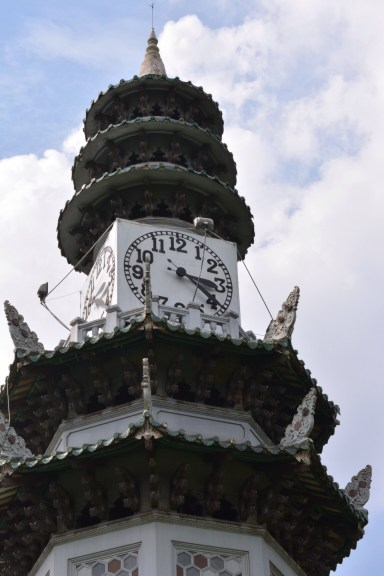 Clock Tower - Lumpini Park - Bangkok - Travel Blogger