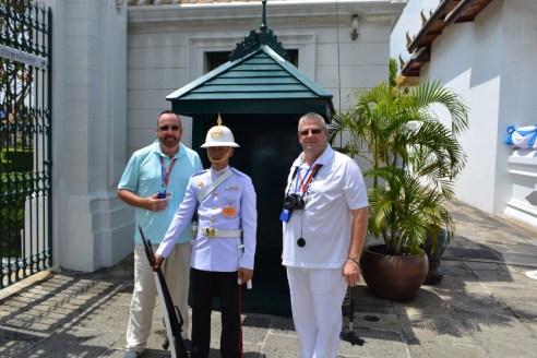 Royal Grand Palace - Bangkok - Thailand - Royal Guards - Gate 1 Travel