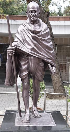 Raj Ghat - Gandhi - Gandhi memorial - New Delhi - Gandhi statue