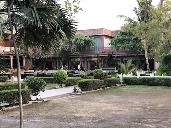 Jodhpur – Ranbanka Palace Hotel – India travel blog - dining in the courtyard