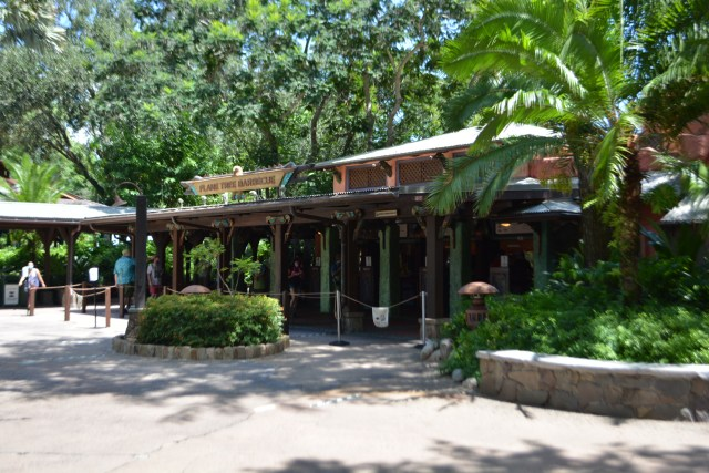 Mobile ordering and no crowds at Flame Tree Barbecue at Disney's Animal Kingdom