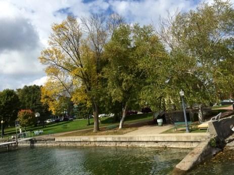 Midweek, mid fall, looking grand.