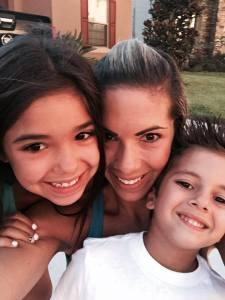 mara and kids selfie