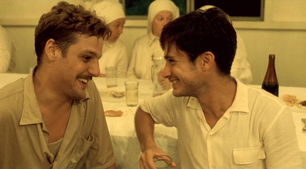 Rodrigo de la Serna and Gael García Bernal in The Motorcycle Diaries (movie, 2004)