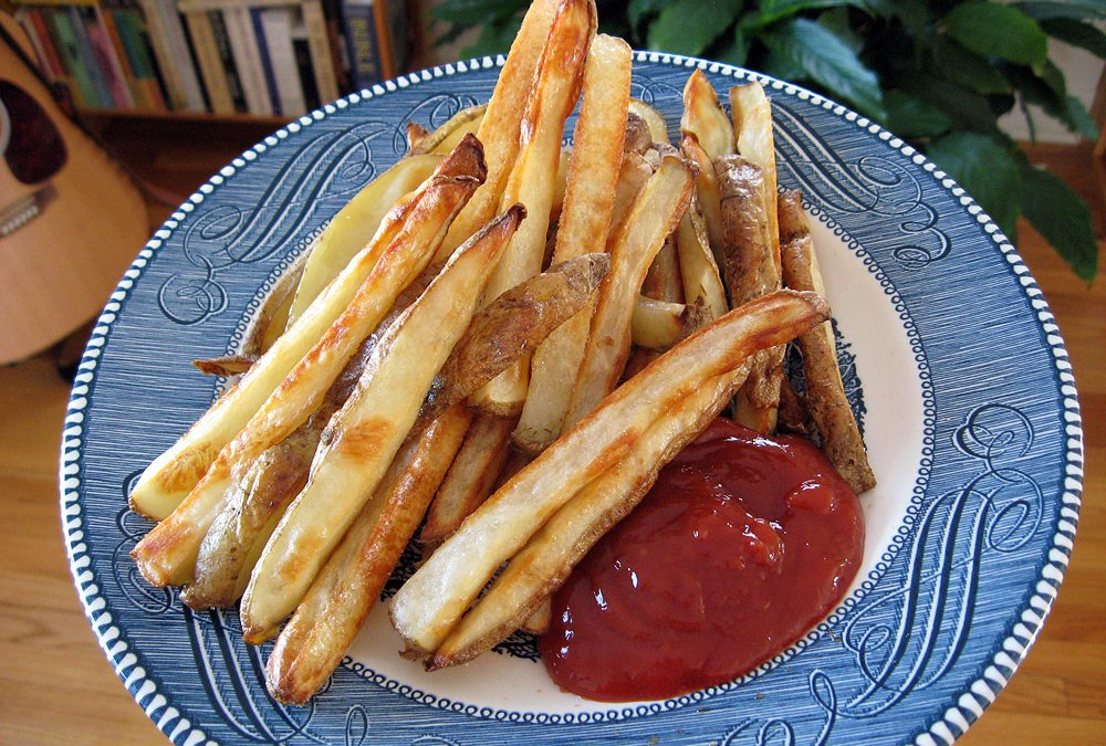 Recipe for oven fries: Healthy roasted potato fries