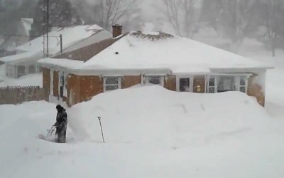Blizzard of 2011 – Racine, Wisconsin: First video