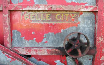 Antique farm equipment: 1915 Belle City threshing machine