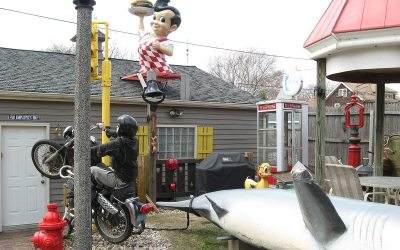 Big Boy restaurant statue, Cudahy, Wisconsin backyard