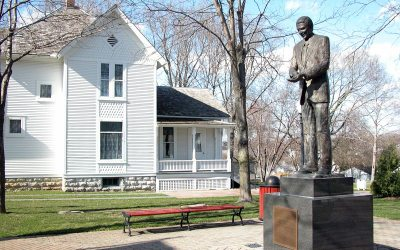 Ronald Reagan statue, Boyhood Home, Dixon, Illinois