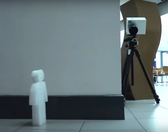 Camera that can see round corner