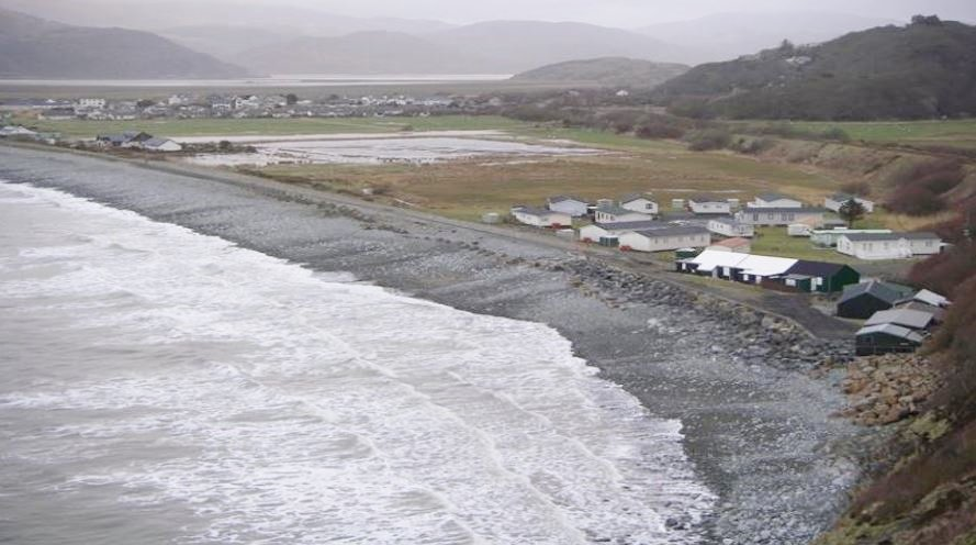 Fairbourne village to be abandoned in 40 years