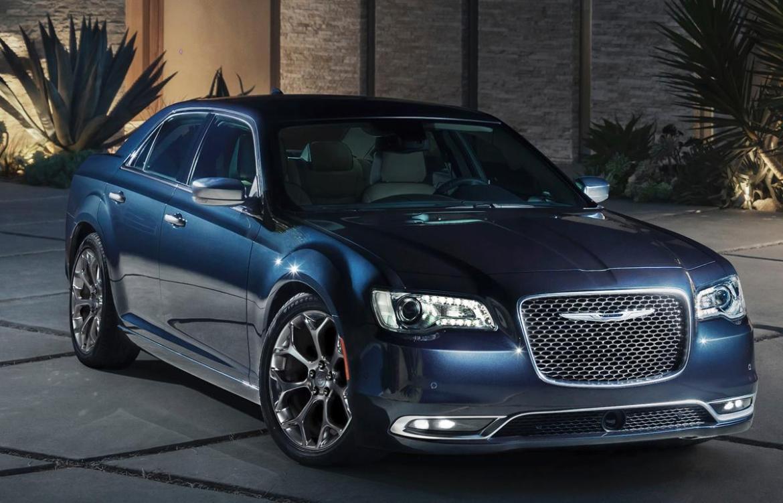 2017-chrysler-300c-platinum-front-quarter