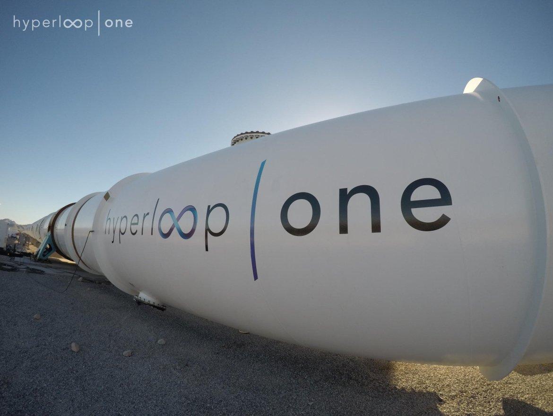 Hyperloop_One_transport_tube