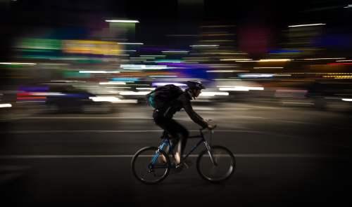 dependent contractor bike courier pixabay-1214227