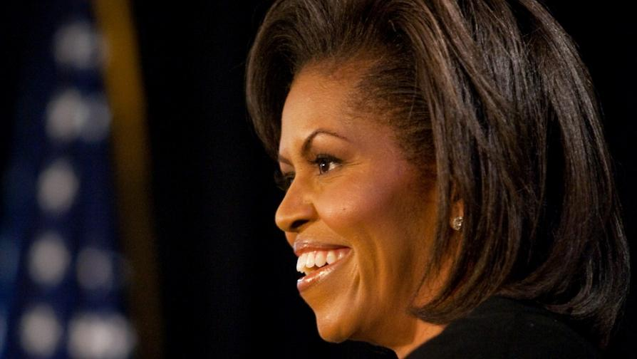 Michelle_Obama_speaks_at_The_Arts_Center_in_Fayetteville,_NC_3-12-09