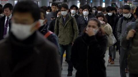 Mask salary man Dentsu