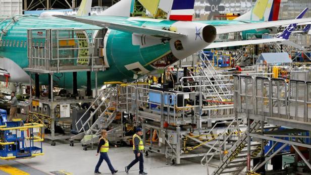 Boeing ปลด 2