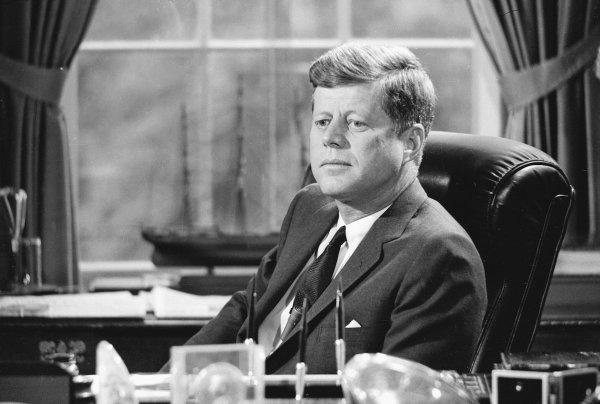Kennedy ถอด Trump