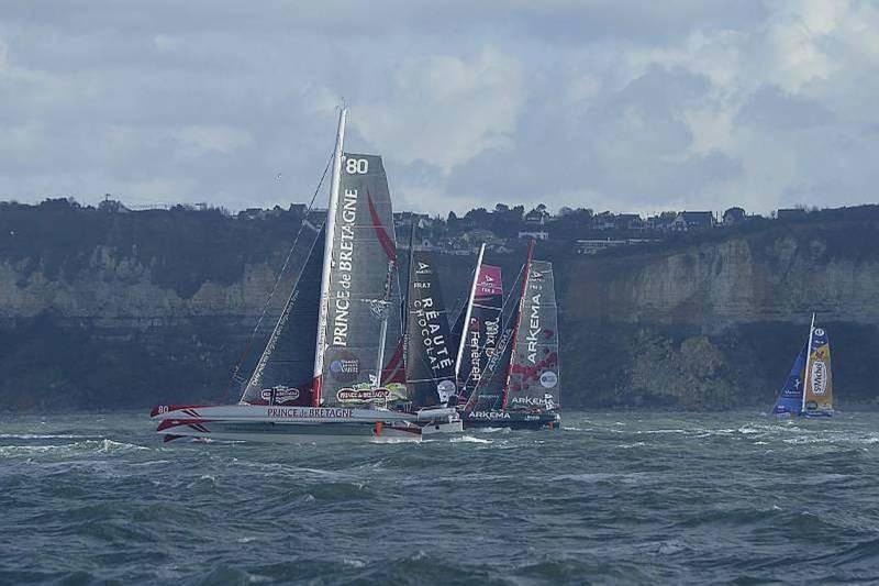 Prince de Bretagne, engagé dans le domaine de la course au large depuis 2009 quitte la voile et son skipper Lionel Lemonchois.