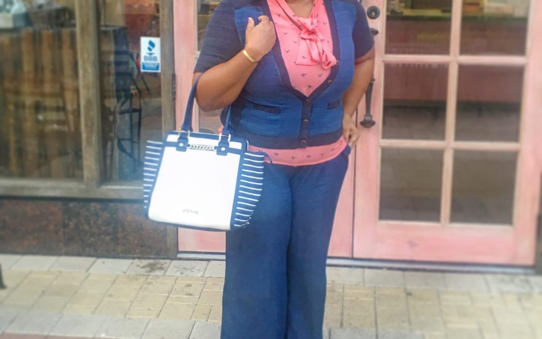 Stylish Mom On The Move OOTD
