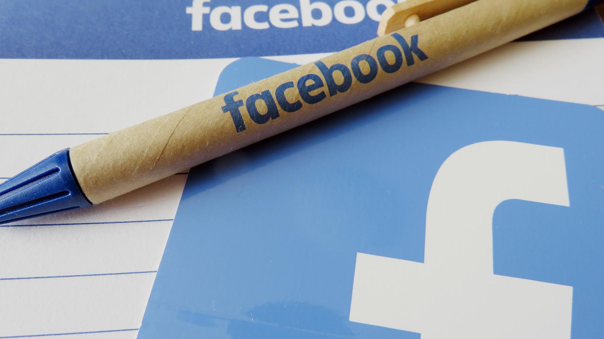 facebook-logo-notepad3-1920