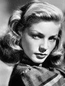 Lauren Bacall (1924-2014). Una nominación (le otorgaron uno honorífico). Sería injusto atribuirle su éxito al tándem perfecto que hacía en pantalla con Bogart porque, a pesar de sus idas y venidas a Broadway, fue una de los regalos más grandiosos que nos ha dado Hollywood. Una mujer inteligente, con carácter y comprometida con la política, no fue aprovechada por la Warner, dándole papeles en los que no demostraba su agudeza y esa belleza cautivadora.
