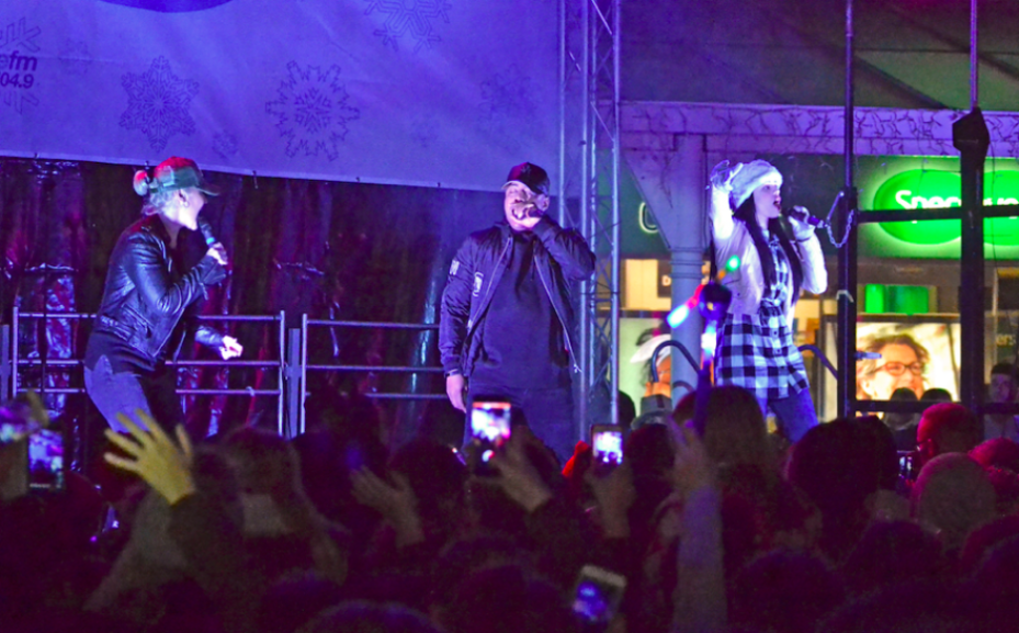 S Club Party at the Big Stockport Christmas Light switch on in Merseyway
