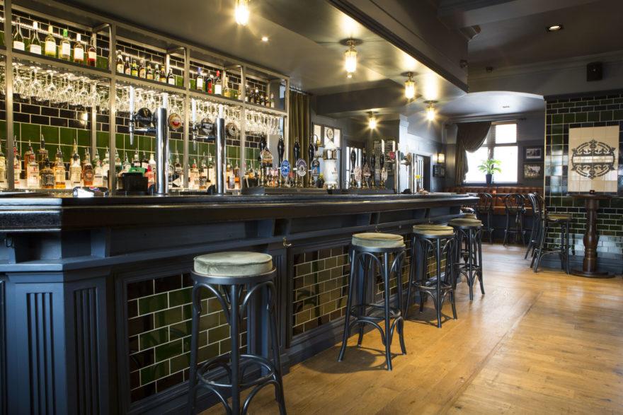 Interior bar at the Prince of Orange