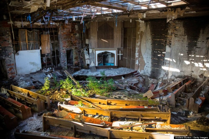 abandoned church detroit