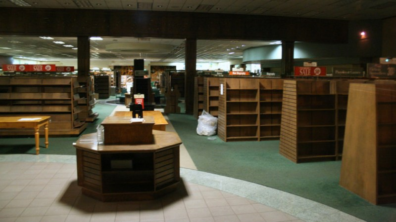 Barnes-and-Noble-closed
