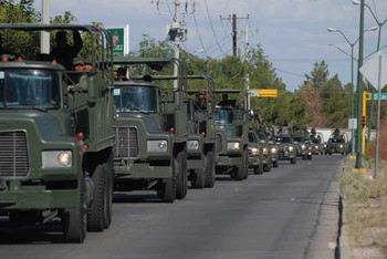 The Mexican Army moves into Lazaro Cardenas