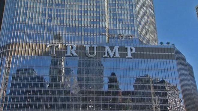 trump-sign-061314-1
