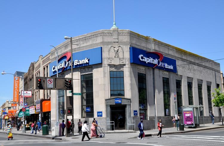 capital-one-bank-in-queens_19382038
