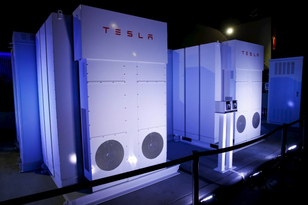 tesla-motors-batteries