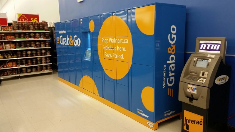 Grab and Go service at Scarborough Walmart (CNW Group/Walmart Canada)