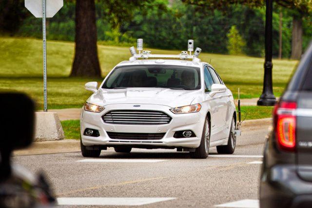 Ford-Fusion-AV-Public-Road-640x427