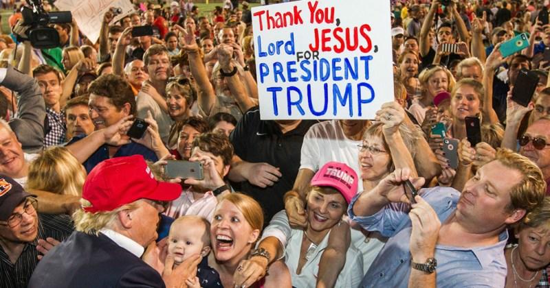 MR-Trump-Jesus-1068x561 (1)