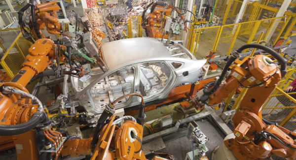 abb-industrial-robots-at-work-in-a-ford-plant-in-china