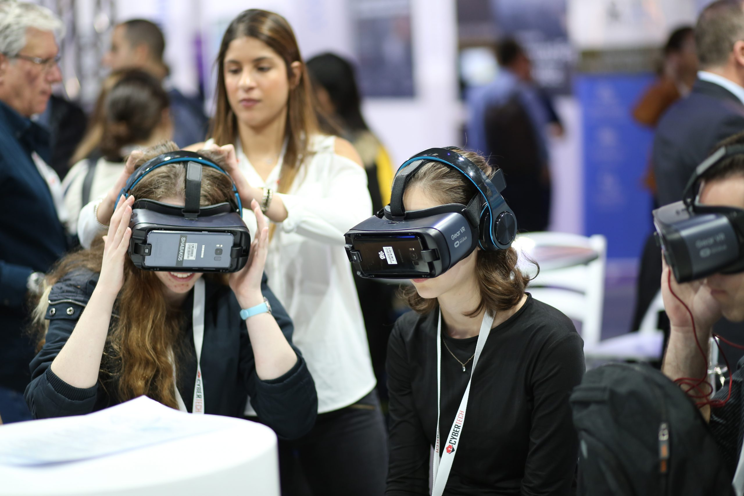 Virtual & Augmented Reality Market Analysis