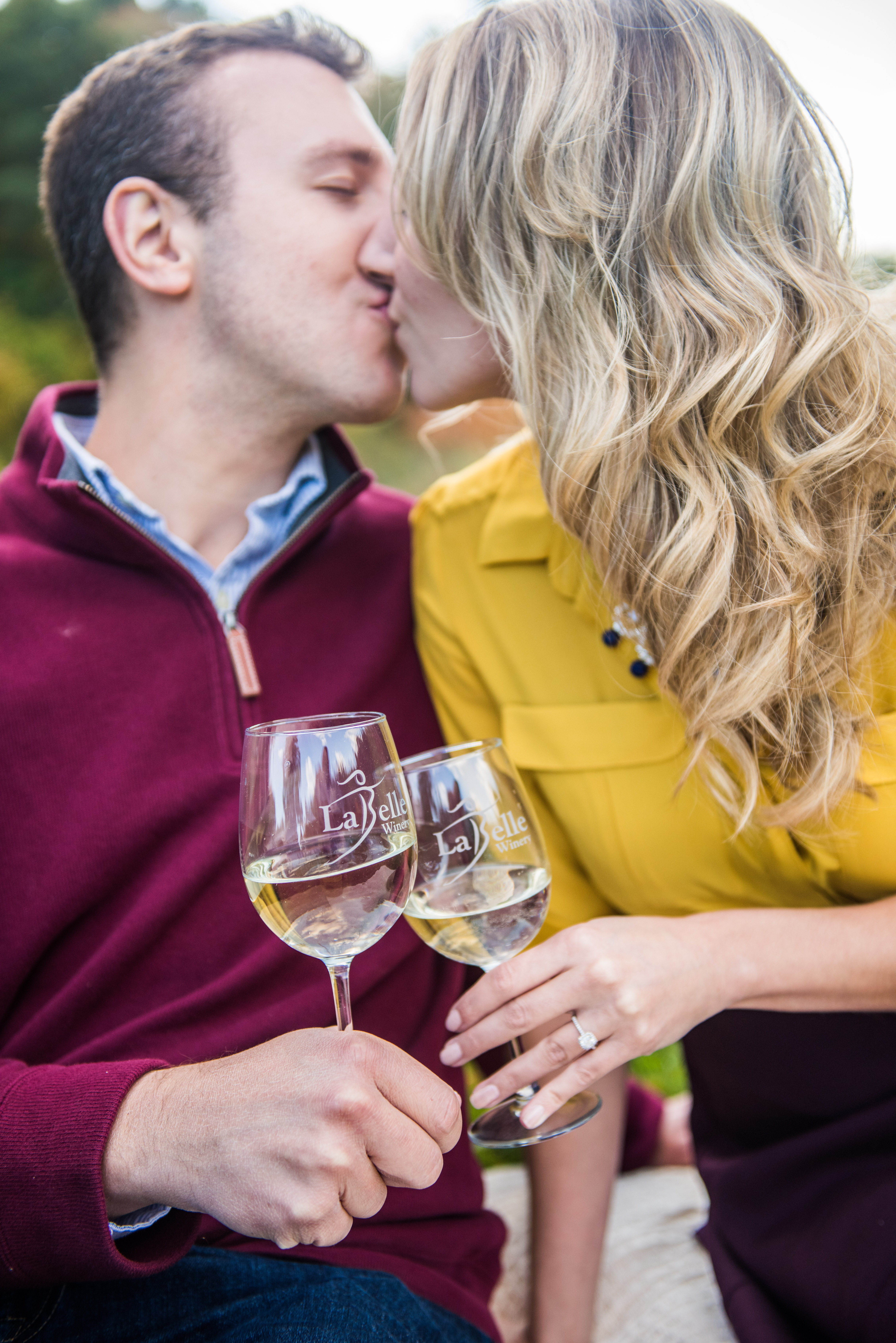 Fall wine themed engagement photo ideas for couples