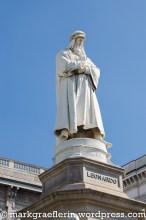 Leonardo da Vinci Denkmal auf dem Platz vor der Scala