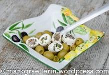 Oliven und Frischkaese