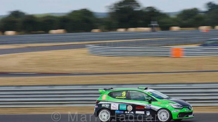 Jade Edwards in the Clio Cup